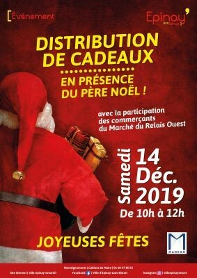 Distribution de cadeaux par le Père Noël 1