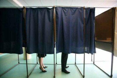 bureau de vote isoloir