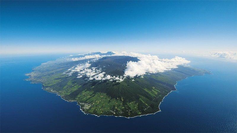 Carnet de voyage : Un pompier d'Epinay-Sous-Sénart fait le tour de La Réunion en rosalie 2