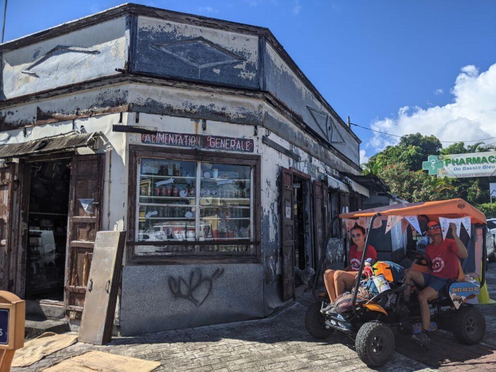 Carnet de voyage : Un pompier d'Epinay-Sous-Sénart fait le tour de La Réunion en rosalie 39