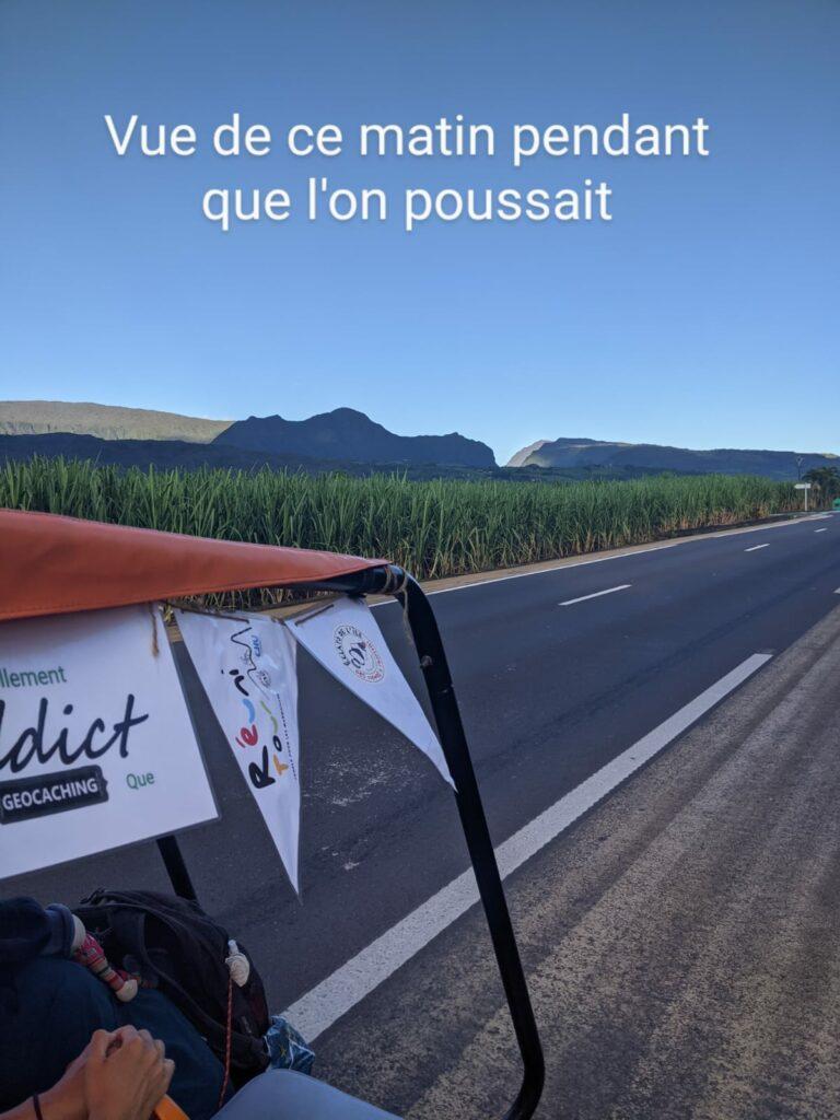 Carnet de voyage : Un pompier d'Epinay-Sous-Sénart fait le tour de La Réunion en rosalie 47