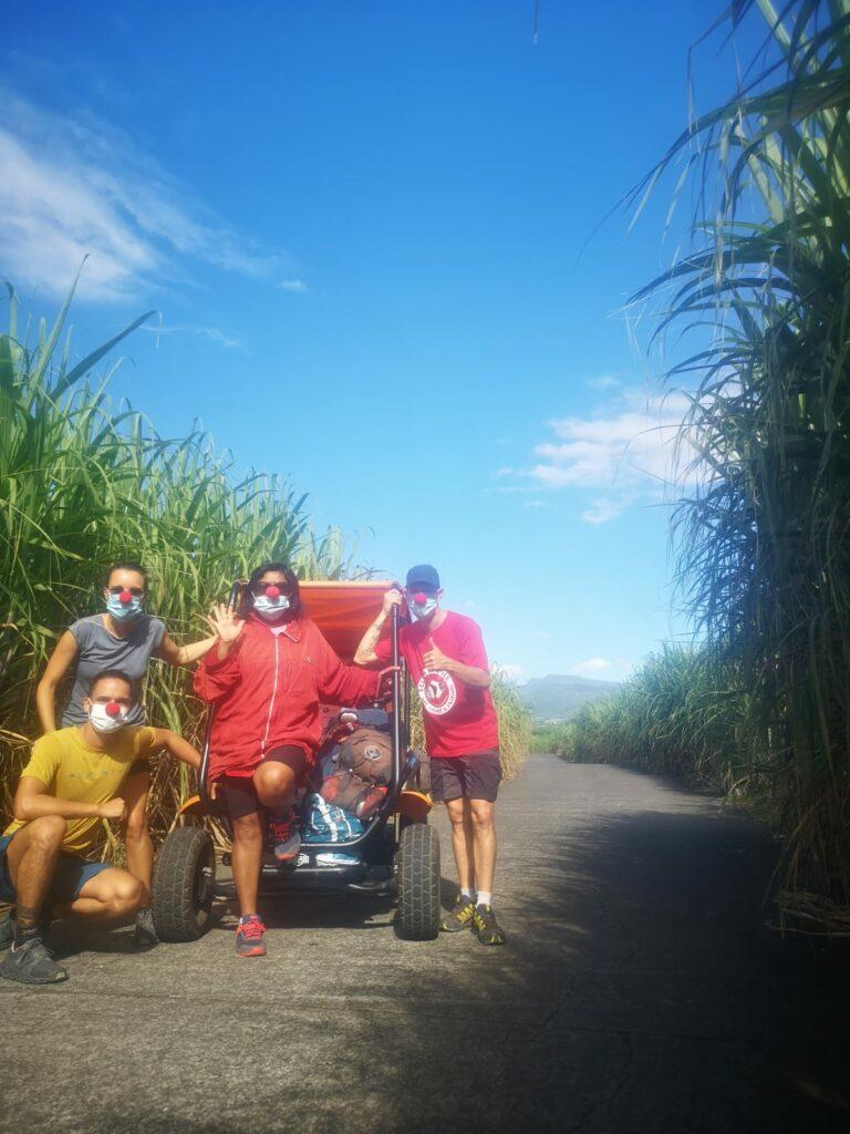 Carnet de voyage : Un pompier d'Epinay-Sous-Sénart fait le tour de La Réunion en rosalie 48