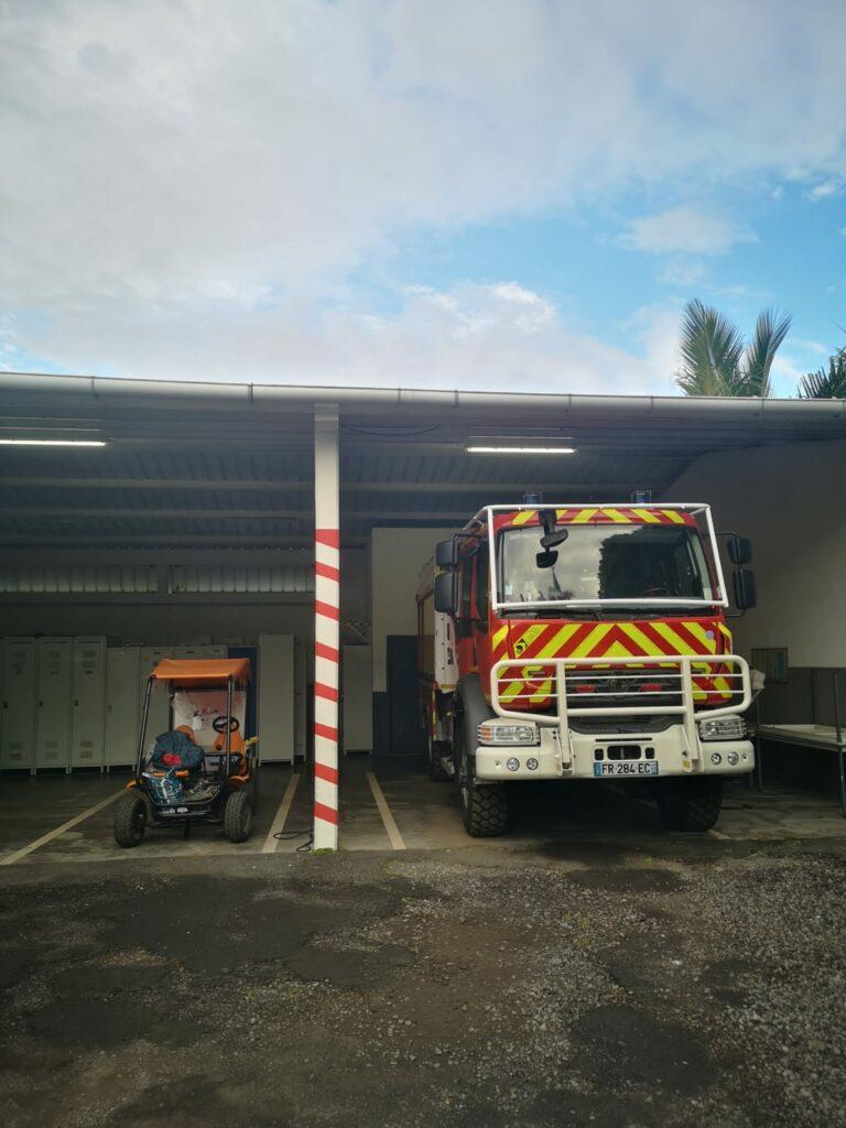 Carnet de voyage : Un pompier d'Epinay-Sous-Sénart fait le tour de La Réunion en rosalie 16