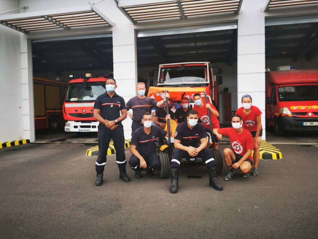 Carnet de voyage : Un pompier d'Epinay-Sous-Sénart fait le tour de La Réunion en rosalie 57