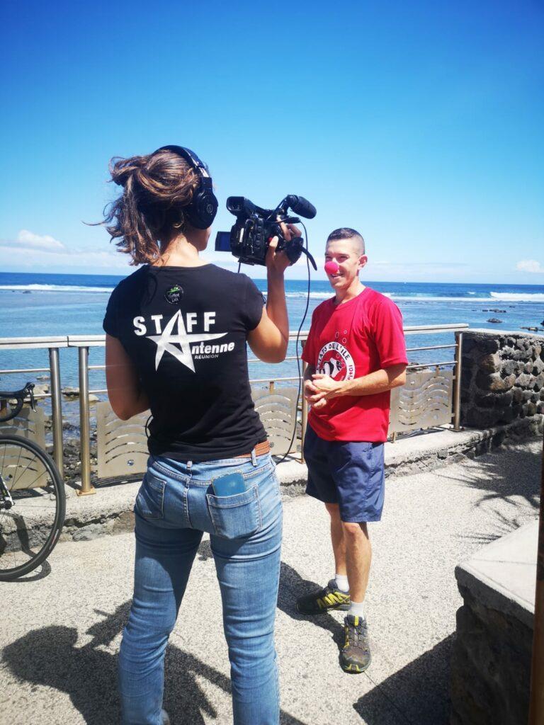 Carnet de voyage : Un pompier d'Epinay-Sous-Sénart fait le tour de La Réunion en rosalie 72