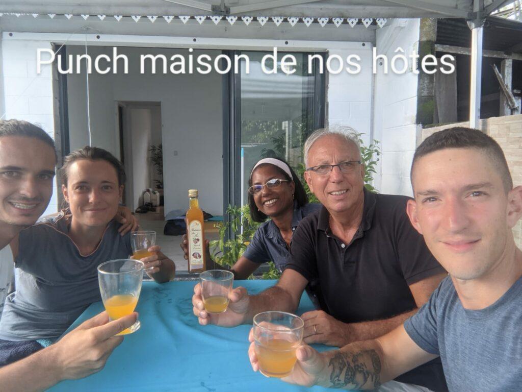 Carnet de voyage : Un pompier d'Epinay-Sous-Sénart fait le tour de La Réunion en rosalie 42