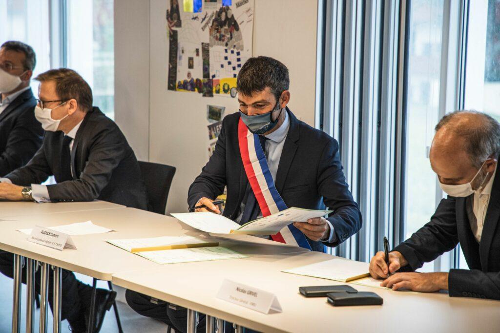 Inauguration du CSC et signature la convention du NPNRU La Plaine 9